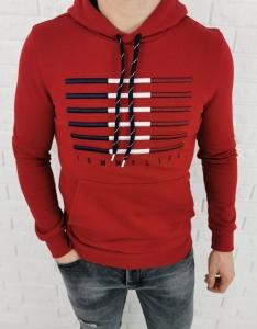 Czerwona bluza kangurka z wyszywanym znaczkiem Tommy Life 87646